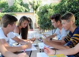 Курс Английский в Языковой лагерь на Мальте в Сент-Джулианс для детей (от 14 до 21 лет). Дети, путешествующие без сопровождения