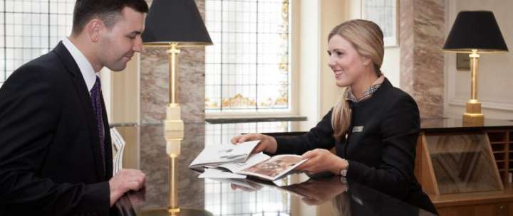 Programa de Trabajo remunerado en Bournemouth con curso de Hosteleria o Inglés de negocios