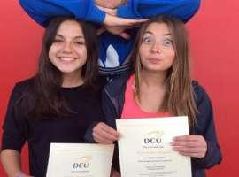 estudiantes en Dublín