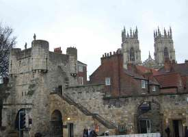Murailles de York